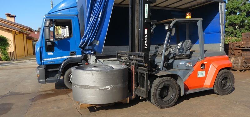 Mozzo in ghisa GJS 500 per impianto eolico